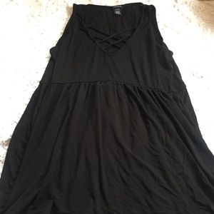 Torrid size 0 black baby doll tank long slowly